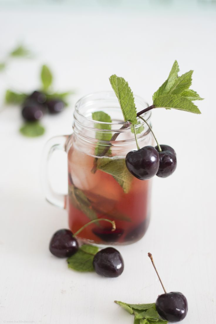 Cherry Mint Tea - mit Herzkirschen und Minze - Backbube // Cherry Mint Tea with fresh cherries and mint #iceteamonday