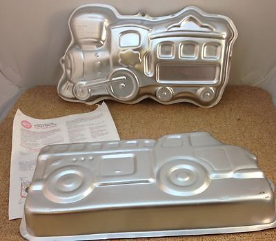 WILTON FIRE TRUCK & TRAIN CAKES TIN ALUMINUM BAKING PANS MOLD PARTY BAKEWARE