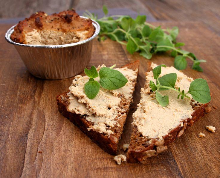 Oppskrift Bonderups Levepostei Vegansk Leverpostei Tofu Hjemmelaget Pålegg Vegetarisk Kjøttfri - pastej på tofu och solroskärnor