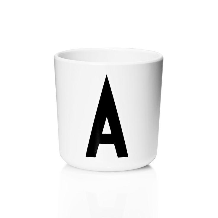 Design Letters - AJ Melamin Becher F Schwarz/Weiß T:7 H:7 B:7