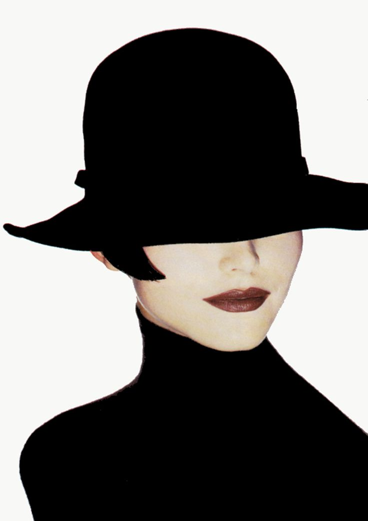 indypendentstyles:  by Irving Penn  Nadja Auermann - Vogue - Photo by Irving Penn