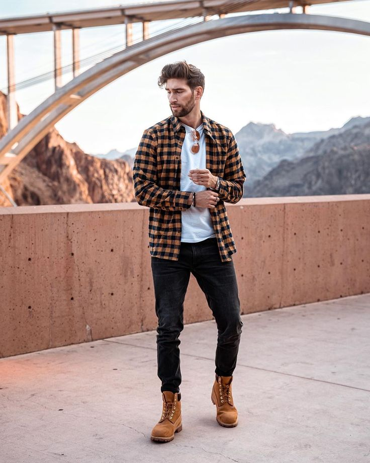 We Bring You The Best Simple, Stylish and Fashionable Outfit Ideas For Men That Every Men Would Love and Best Men's Fashion Styles From Male Models From All Over The World. Trendy Mens Fashion, Mens Boots Fashion, Stylish Mens Outfits, Urban Style Outfits Men, Mens Boots Style, Timberland Outfits Men, Timberland Boots Style, Timberland Fashion, Timberland Heels