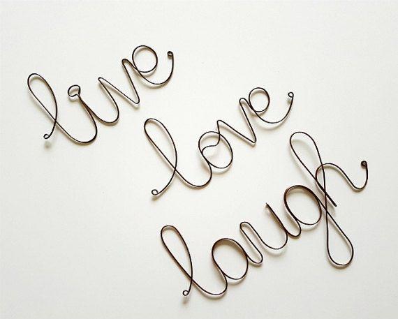 LEVEN liefde lachen muur teken, muur decoratie, Word Art teken, Live Love Laugh muur teken, inspirerende teken, draad kunst, rustieke huis decoratie