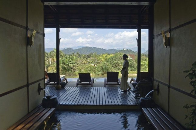 The Mekong Spa, La Résidence Phou Vao - LAOS. Renown for their facials using organic Jurlique products, the spa also offers treatments geared specifically towards men.