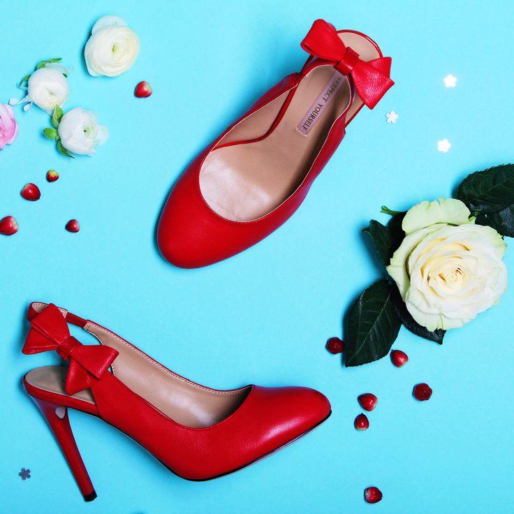 Идеальные туфельки этой весной должны выглядеть именно так!👠 Игривый бантик, модный в этом сезоне красный цвет страсти и огня, а также устойчивый каблучок – безупречное сочетание, в которое нельзя не влюбиться😍 #respectshoes #iloverespect #shoes #ss17 #shopping #обувьреспект #шоппинг #мода #весна #веснавrespectshoes