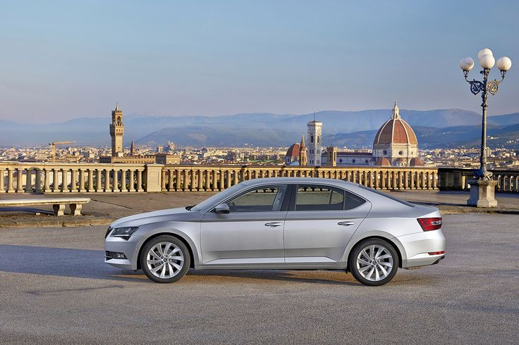 The ŠKODA Superb sets new standards in terms of space and comfort. In comparison to the previous model, the interior dimensions of the new Superb have increased once again, offering the best rear head- and legroom and the largest boot capacity in the automotive mid-class segment. At the same time, the saloon is cleverer than ever before: 29 'Simply Clever' features make life easier for driver and passengers #superb #newsuperb #skoda
