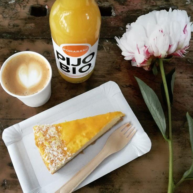 Mango. Cake. Coffee. Bio drink.  Orange. Pijo bio. Peony