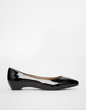 London Rebel Patent Pointed Flat Shoes