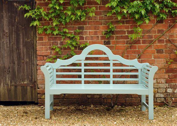 ... The classic Lutyens bench