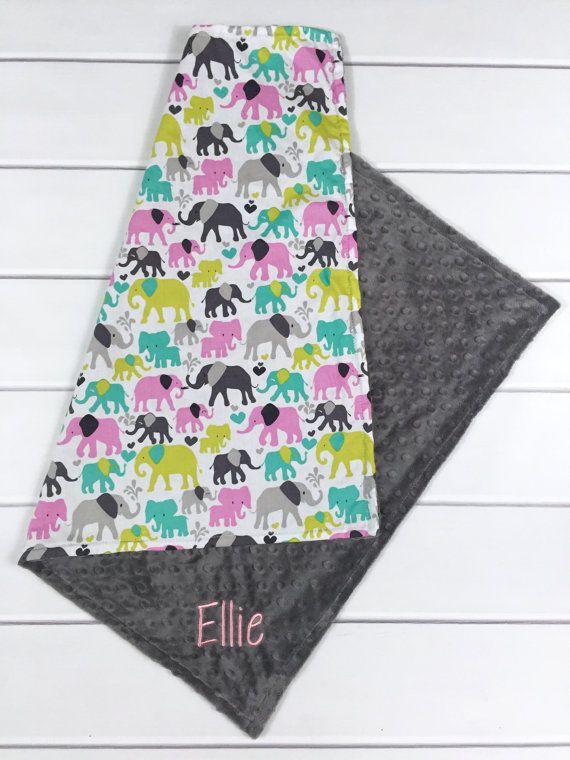 Ich bin so aufgeregt, dass diese herrlich weich und anschmiegsam individuell angefertigte Mädchen Decke mit einem modernen Elefanten-Druck anbieten.
