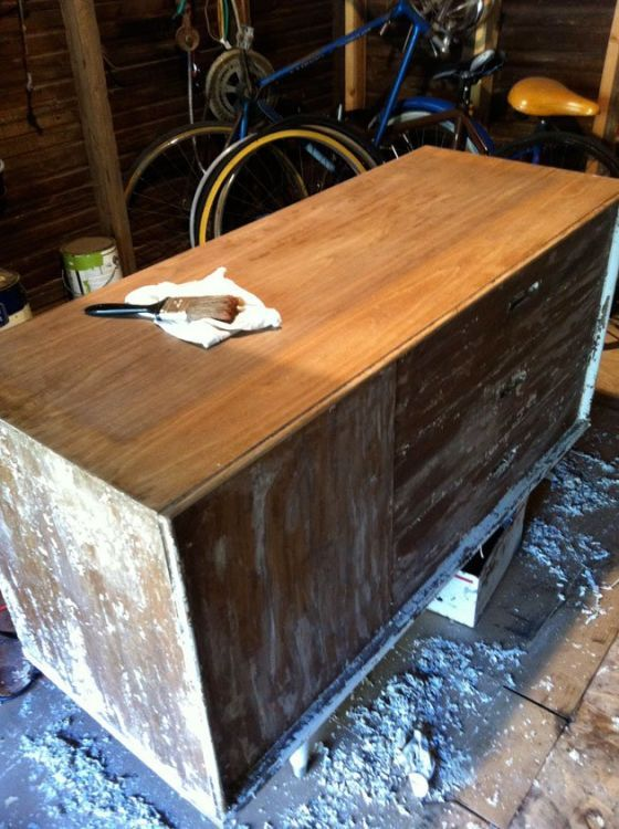 How To Strip And Refinish Wood Furniture D I Y Refinish Wood