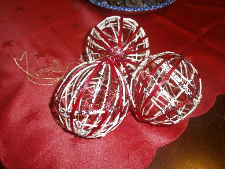 Χριστουγεννιάτικες μπάλες ...απο σπάγγο!