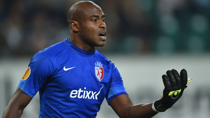 @Lille Vincent Enyeama #9ine