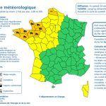 Avis à la prudence dans le #Calvados l'#Orne et la #Manche ce weekend pour vent violent. Nos recommandations ICI  https://www.francebleu.fr/infos/climat-environnement/vents-forts-appel-prudence-du-prefet-maritime-de-la-manche-et-de-la-mer-du-nord-1479483542pic.twitter.com/mIzAC4yryC