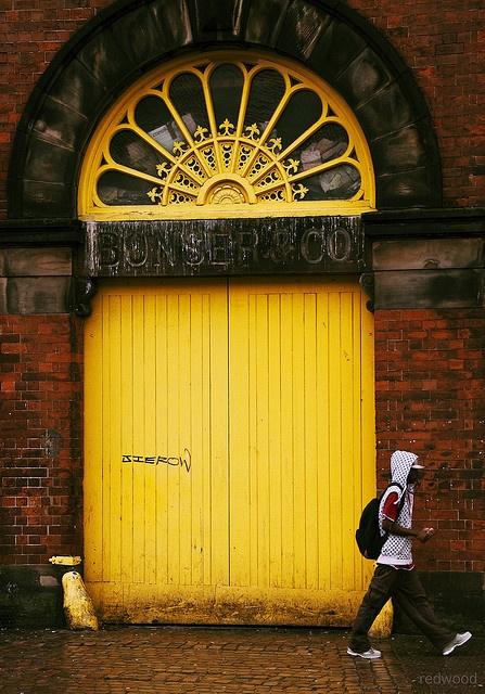 Yellow Door of Bonser & Co.: Digbeth, Birmingham, England / photo by Redwood 1