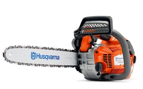 Husqvarna T540 XP top handle chainsaw, designed for pro arborists, landscapers and utility contractors. #HusqvarnaChainsaw