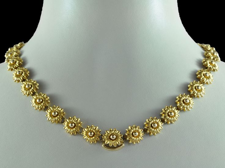 Simple Gold Necklaces For Women Indian Style Attached