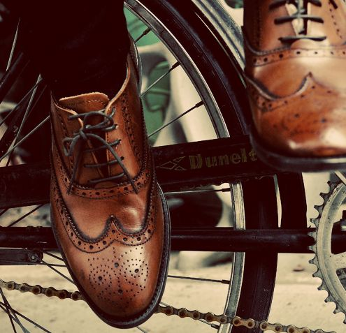 wingin it: Styles Men'S, Business Fashion, Bike Riding, Men'S Shoes, Fashion Styles, Men'S Fashion, Man Shoes, Leather Shoes, Vintage Bike