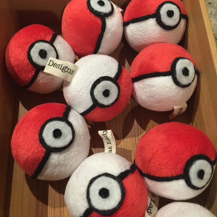 Chase them here, chase them there, chase them everywhere!  Now your cat can go Pokemon hunting with their very own Pokeball.  Choose your filling - catnip, valerian or fibre fill!