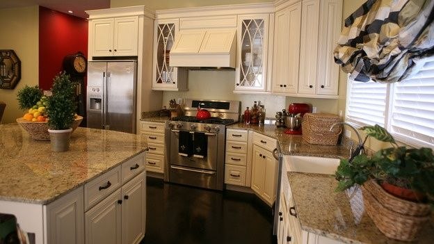 cream cabinets dark wood floors | love off white cabinets with