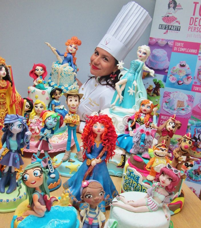 me and my cakes #cakedesigner #cake #cakedesign https://www.facebook.com/KidspartyCakedesign?ref=hl