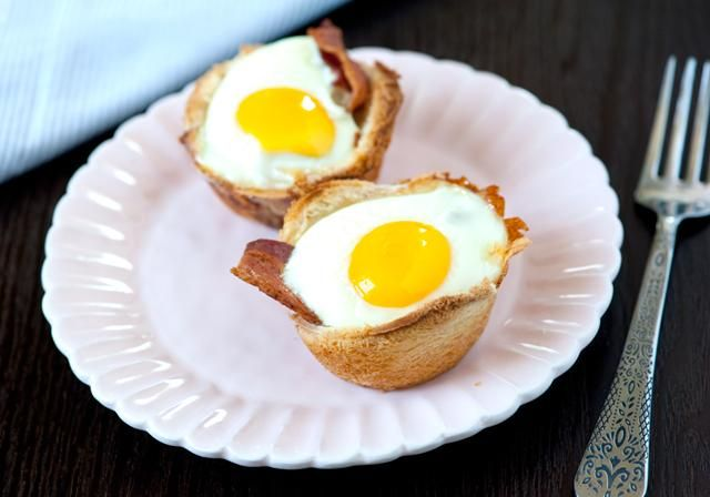 Recipe: Bacon, Egg and Toast Cups
