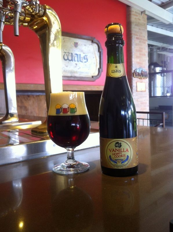 Cerveja Wäls / Way Vanilla Hoppy Cookie, estilo Specialty Beer, produzida por Cervejaria Wäls, Brasil. 13% ABV de álcool.