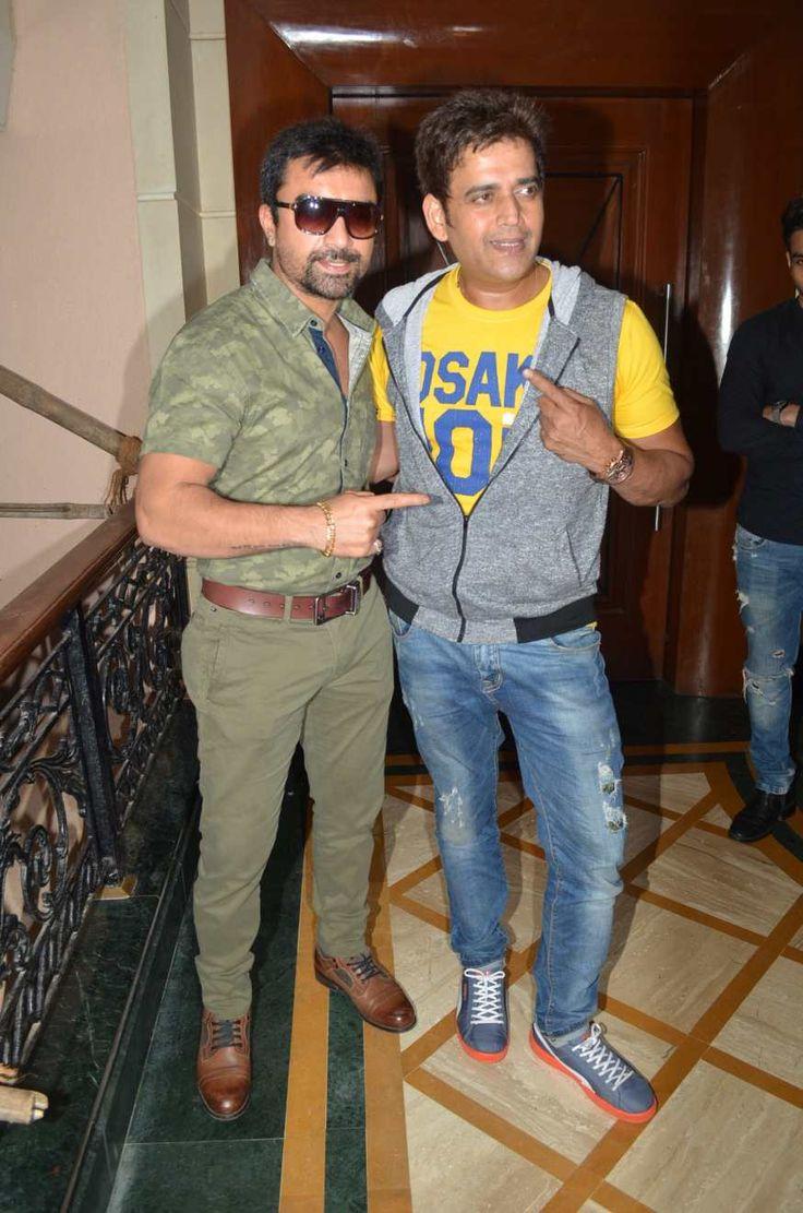 cool Ravi Kishan and Ajaz Khan at Kalini Mini Marathon press meet Photos