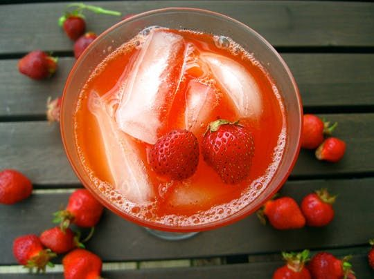 Cool Recipe: Michelle's Sparkling Strawberry Lemonade —  Stay Cool!