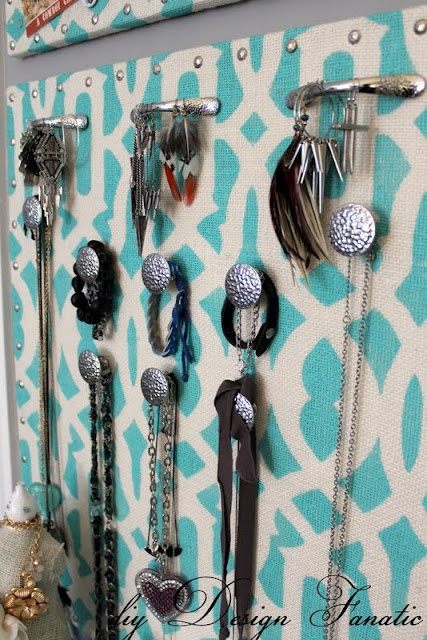 great DIY idea for organizing jewelry AND bringing some color to your bedroom