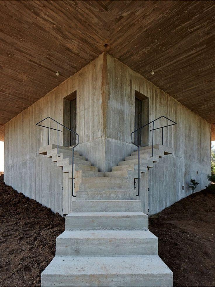 entrada e escadas em concreto