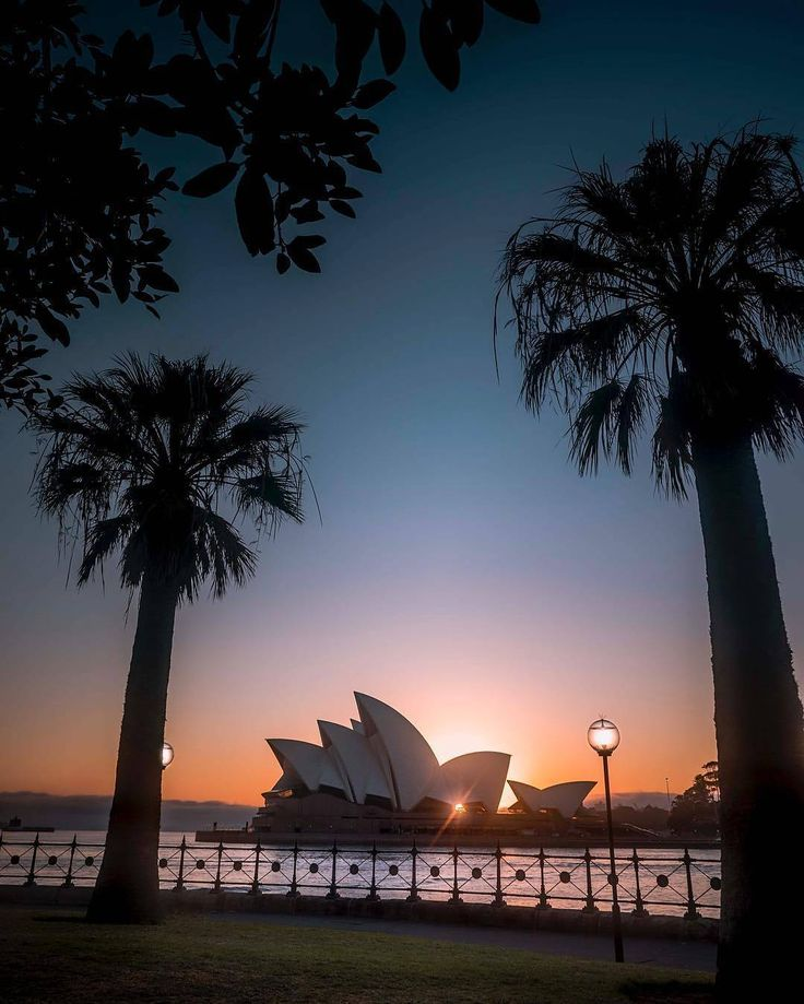 Wander around Circular Quay and under the Sydney Harbour Bridge to capture great views of the harbour and the #Sydneyoperahouse. It's a perfect spot to exercise as the sun rises over the city.