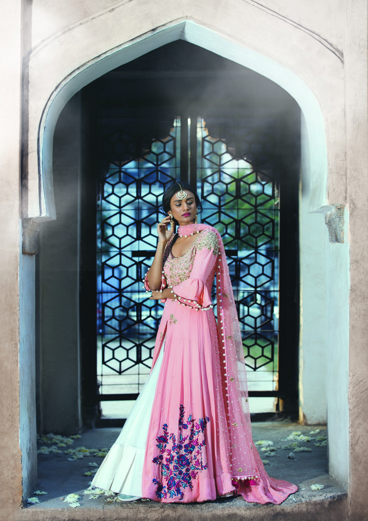 #monikanidhii #pink #indiandesigner #shopnow #ppus #happyshopping