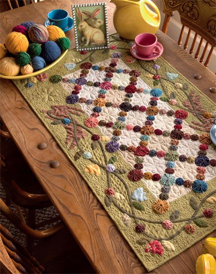 Love this!  From Simple Seasons - Stunning Quilts and Savory Recipes By Kim Diehl