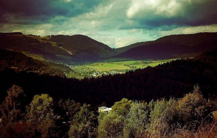 Muszyna, piękne ujęcie autorstwa  szczesliwa87.deviantart.com. | Muszyna, beautiful shot by  szczesliwa87.deviantart.com.  #nature #mountains #photography