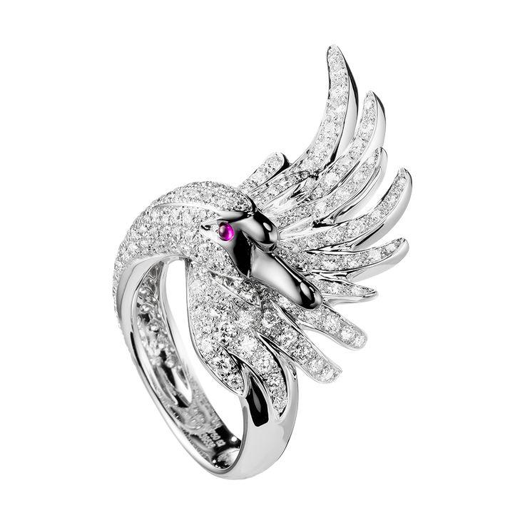 シプリス リング, a Maison Boucheron Jewelry creation. A Boucheron creation tells a Story, that of the Maison and your own.