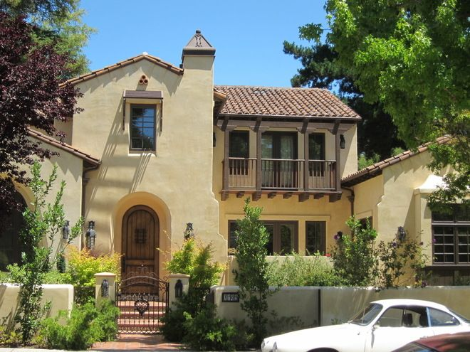 Best 25 spanish style houses ideas on pinterest spanish for Spanish revival exterior paint colors