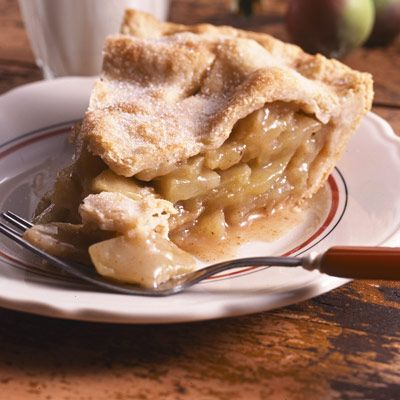 Blue-Ribbon Apple Pie: Crisp, flaky pie crust, juicy apple pie. Mouthfuls of deliciousness.