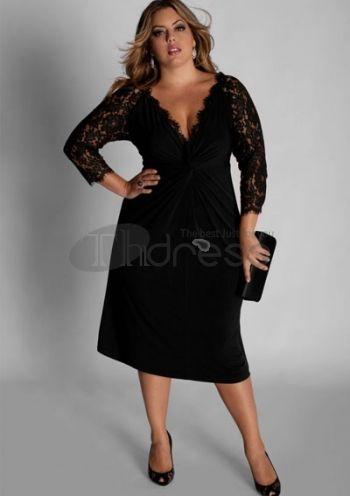 Stijltip voor Kerst: zwart kleedt af, en deze jurk geeft ook nog een mooi decolleté!