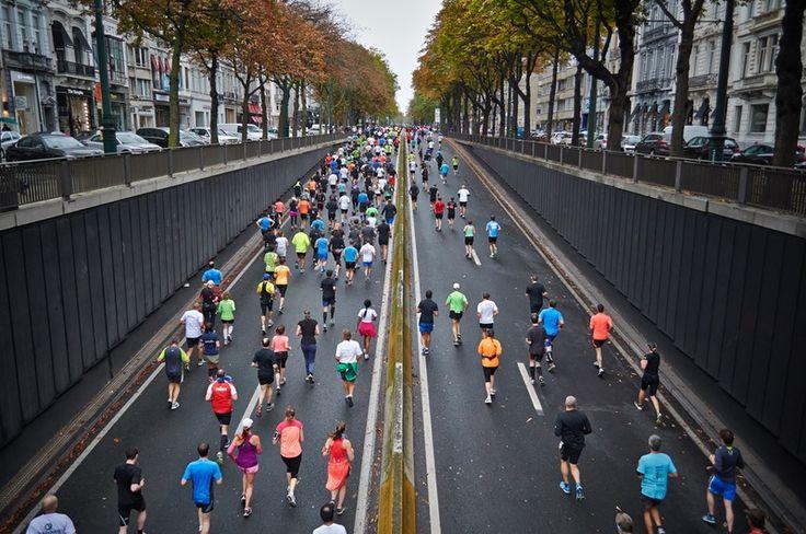 JJuż niemal połowa Polaków w wieku 18–50 lat jest aktywna fizycznie. Z badań wynika, że większość rozpoczyna przygodę ze sportem bez uprzedniej konsultacji z lekarzem i wykonania niezbędnych badań.