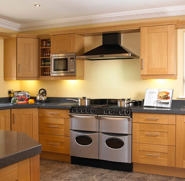 Brown Oak Kitchen Cabinets: Natural Wood Shaker Kitchens Shaker Kitchens In