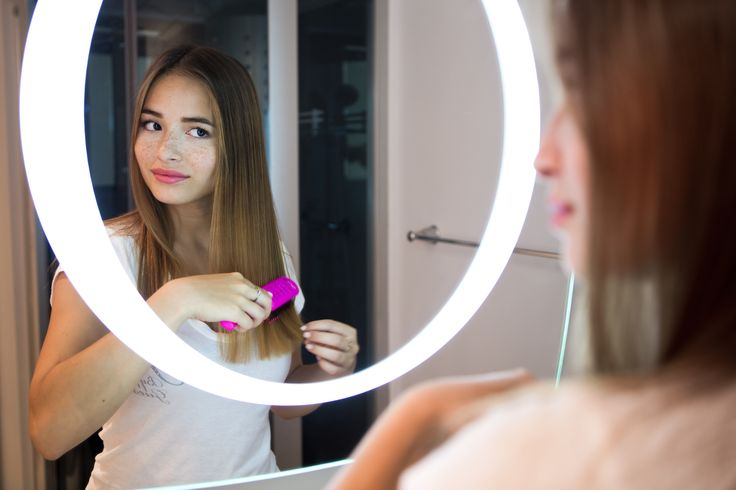 Lighted Halo Mirror by IB MIRROR