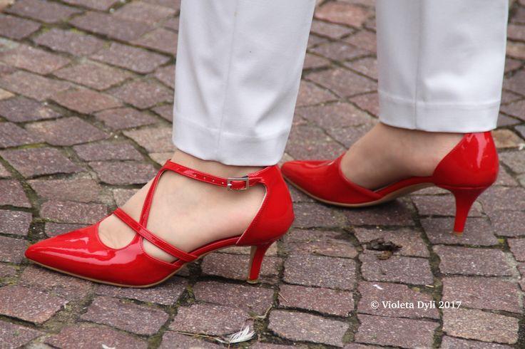 Scarpe rosse per  mamme fashion.