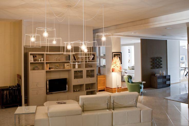 #ARREDAMENTO #LIVING #INTERNI #IDEAS #SHOWROOM #SHABBY #creativa #faidate #gabbie #metallo #lampadine #vintage #cables #creative #illuminazione #faidate #specchi #divani #tavoli #legno #madeinitaly #salotto #soggiorno #cucina #interiors  #handmade #parete #componibile