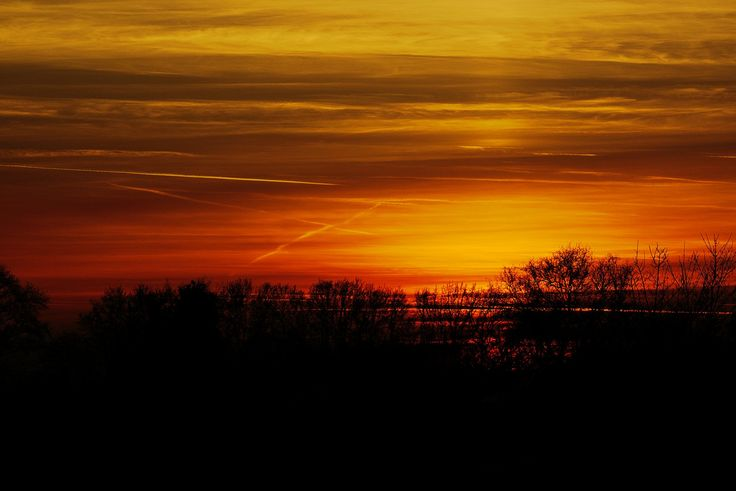 Winter sunset - http://www.funsite.eu/2016/12/winter-sunset/?utm_source=PN&utm_medium=Pinterest&utm_campaign=SNAP%2Bfrom%2BFunsite.eu