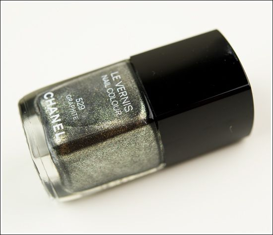 Chanel Graphite Le Vernis / Nail Lacquer this is gorgeous!!! Want this <3: Chanel Nails, Varnish, Chanel Graphite, Chanel Le, Chanel Nail Polish, Nail Lacquer, Graphite Nail, Chanel Polish