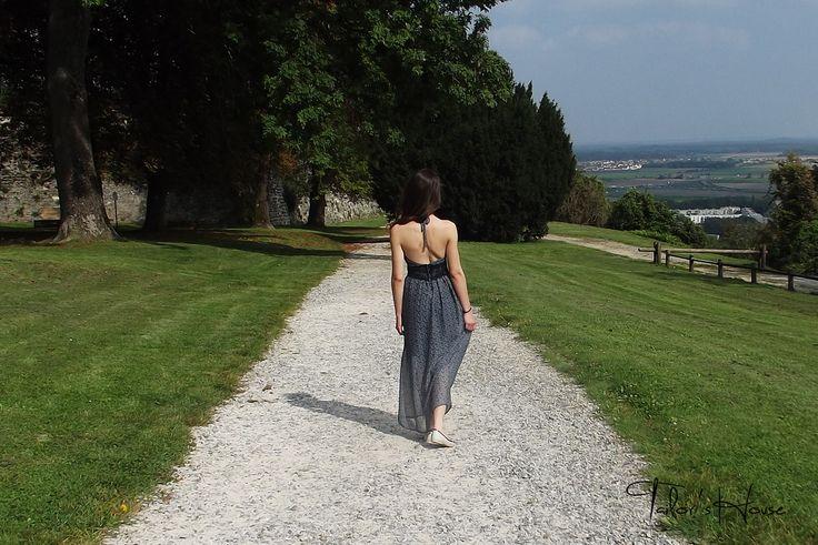 Rochie cu spatele gol - prima rochie nu se uita niciodata