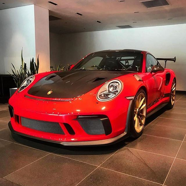 Wingwednesday With A Sensational Guards Red 991 2 Gt3 Rs With Weissach Package Ready For Collection From Porsche Pretoria Exoticspots Porsche Gt3 Rs Gt3
