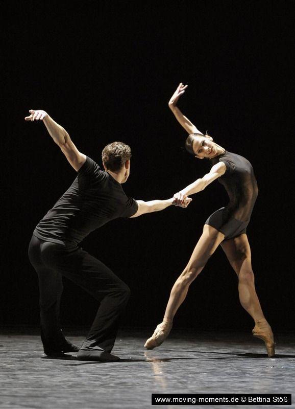 Polina Semionova and Dinu Tamazlacaru in Herman Schmerman by William Forsythe (2012). Photo by Bettina Stöß