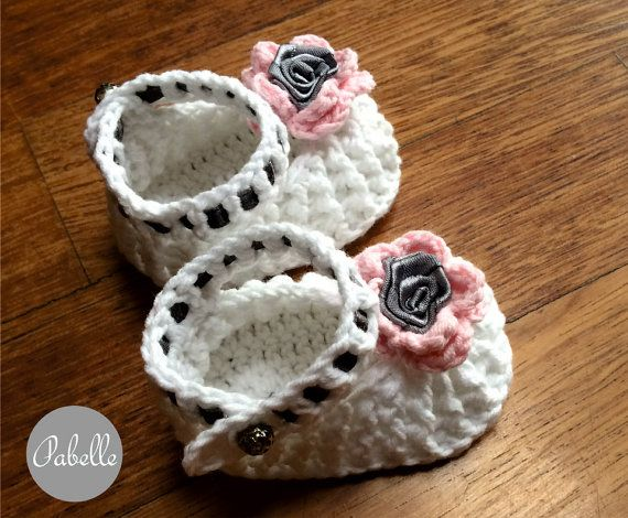 Baby shoes by Pabelle on Etsy